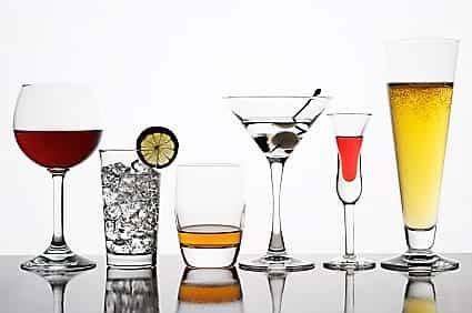 Este alcoolul sănătos? Sunt studiile care favorizează consumul sponsorizate de industrie?