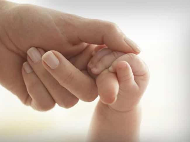 Atingerea este vitală în dezvoltarea creierului copiilor prematuri