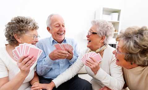 O singură oră de interacțiune socială poate ajuta persoanele cu demență