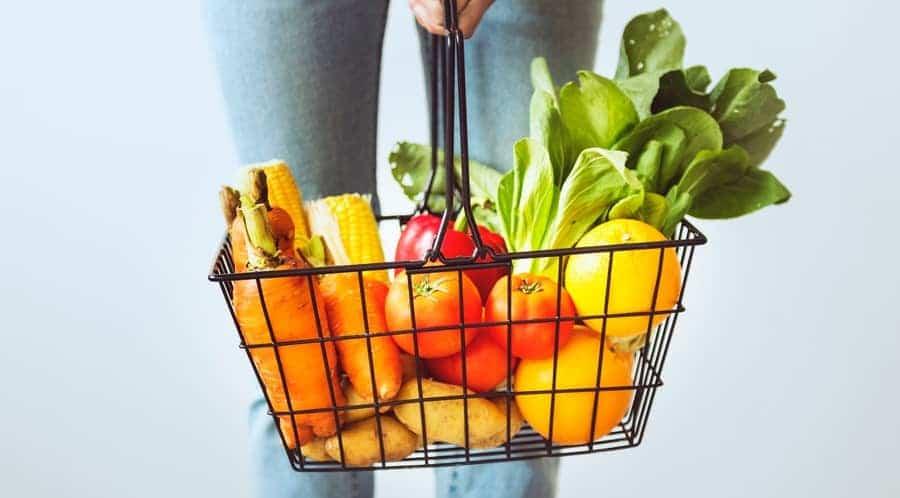 Hrana vie – O dietă cu personalitate multiplă și un subtil furt de identitate